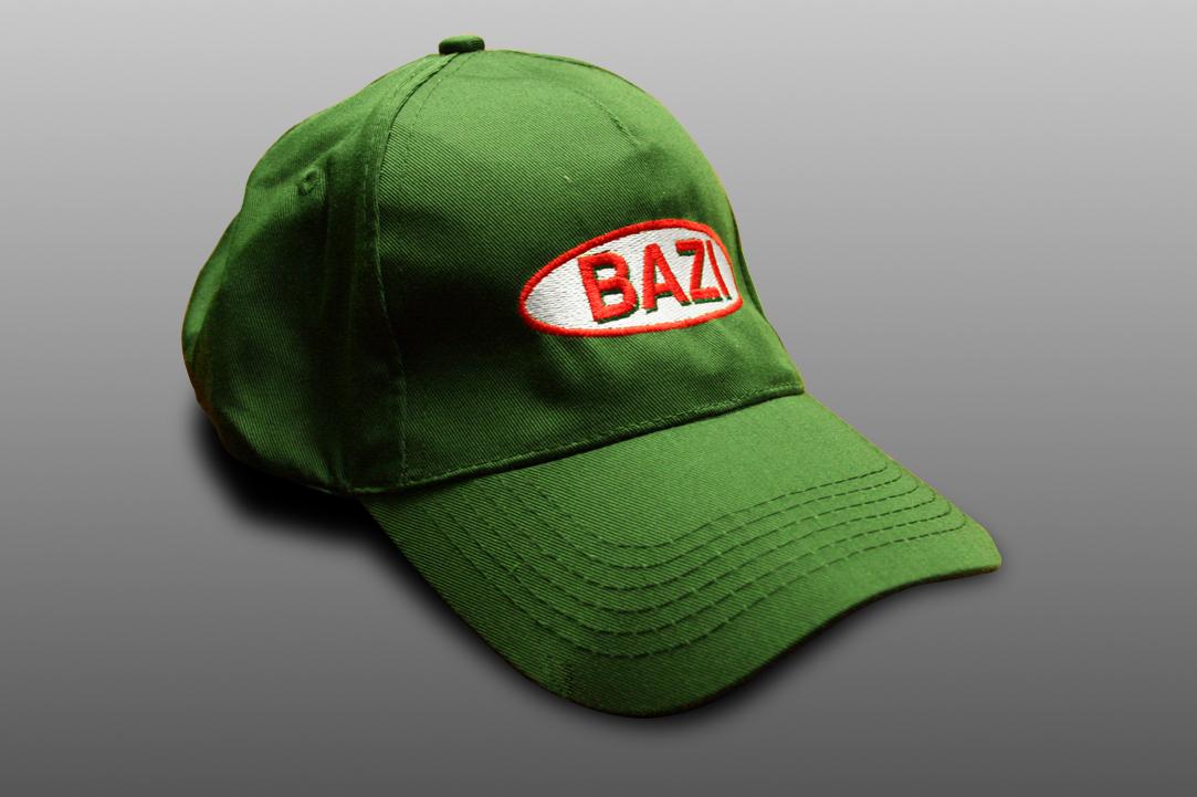Czapka firmy Bazi